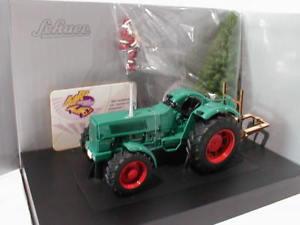 【送料無料】模型車 モデルカー スポーツカー bjクリスマスschuco 07802 hanomag robust 900 bj 196770 weihnachten 2007 m figur 132