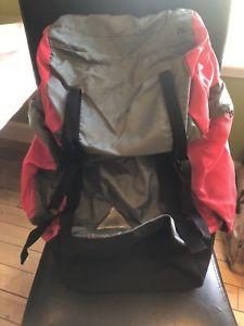 【送料無料】キャンプ用品 アルミニウムバックパックリュックサック