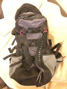 【送料無料】キャンプ用品 リュックバックパックハイキング