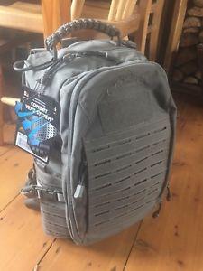 【送料無料】キャンプ用品 グリーン20ポンドバックパック