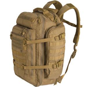 【送料無料】キャンプ用品 13バックパックナイロンmolleバッグコヨーテ