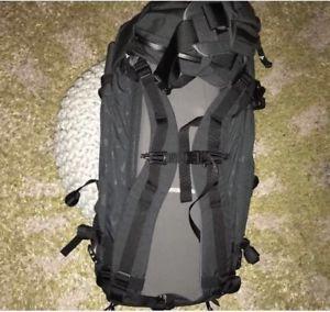 【送料無料】キャンプ用品 ミステリーランチパトロールメンズバックパック