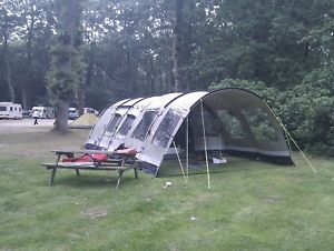 【送料無料】キャンプ用品 カーペット6テントbear lake 6 tent with large front canopy including carpet and large awning