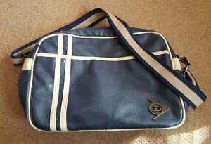 【送料無料】キャンプ用品 dunlop メッセンジャーバッグヴィンテージガソリンdunlop man messenger flight bag distressed vintage look petrol blue