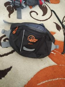 【送料無料】キャンプ用品 ロウウエストポーチlowe alpine bum bag
