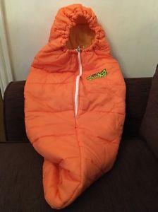 【送料無料】キャンプ用品 フード198013ヴィンテージミニバグchilds vintage mini snug bug sleeping bag with hood 1980s 13 years