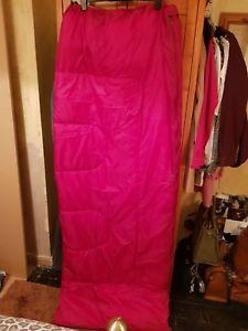 【送料無料】キャンプ用品 single red sleeping bag used once