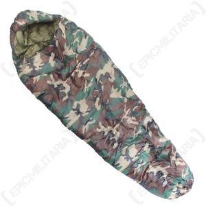 【送料無料】キャンプ用品 ミイラ400grウッドランドcamoシングルmummy sleeping bag 400 gr woodland camo army camping adult single