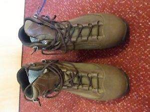【送料無料】キャンプ用品 アクaku boots brown