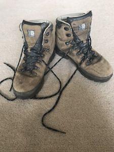 【送料無料】キャンプ用品 メンズウォーキングブーツサイズmen's karrimor walking boots size 85