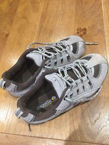【送料無料】キャンプ用品 レディースガールズレガッタウォーキングシューズサイズladies girls regatta walking shoes size uk 4