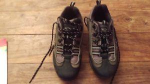 【送料無料】キャンプ用品 トレッキングハイキングサイズshoe trekking hiking size 42 uk 8 walking