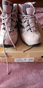 【送料無料】キャンプ用品 ウォーキングレガッタレディレディースブーツregatta lady waymark waterproof ladies walking boots uk 5