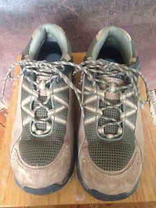 【送料無料】キャンプ用品 ハイキングレディースサイズtechnicals hiking shoes ladies size 8