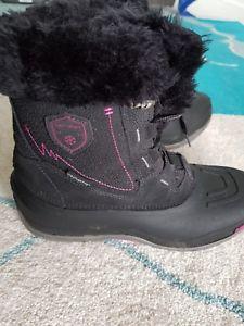 【送料無料】キャンプ用品 ブーツサイズkarrimor boots size 6 winter, worn for 3 days only