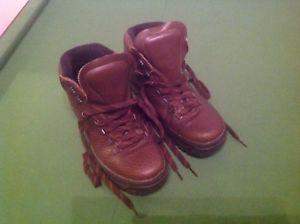 【送料無料】キャンプ用品 ウォーキングブーツレディースウォークアクティブwalking boots womens walkon active footware