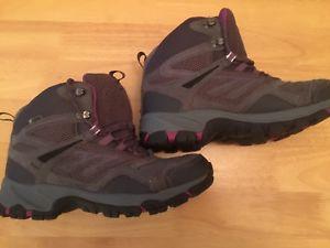 【送料無料】キャンプ用品 レディーステクニカルウォーキングブーツhitec ishield ladies technical walking boots