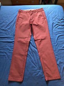 【送料無料】キャンプ用品 メンズレッドピンクスポーティズボンウエストgant mens redpink tailored sporty trousers waist 33 leg 32