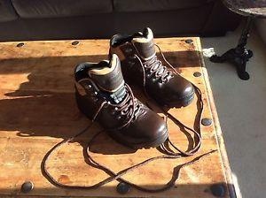 【送料無料】キャンプ用品 ピーターストームハイキングブーツサイズwomens, peter storm, skiddaw, leather, hiking boots, size 7 little used