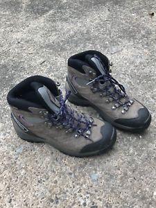 【送料無料】キャンプ用品 レディースウォーキングブーツladies scarpa walking boots