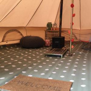 【送料無料】キャンプ用品 4メーターポリプロピレンテントマット 4 metre green polypropylene bell tent matting cleanablewashable amp; foldable