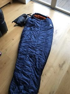 【送料無料】キャンプ用品 ivタグrrp170mountain equipment nova iv sleeping bag blue brand with tags rrp 170