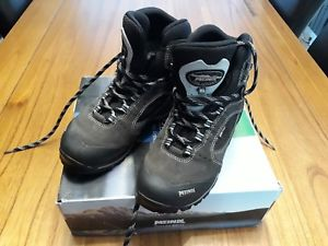 【送料無料】キャンプ用品 ブーツサイズ45listingmeindlgoretexr listingmeindl women's softline light goretex walking boot size 45