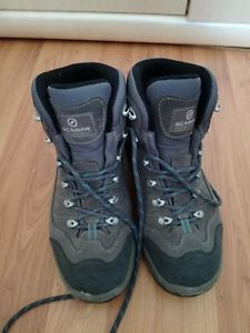 【送料無料】キャンプ用品 スカルパミストラルgortexブーツ conditioscarpa womens mistral gortex walking boots grey colour in very good conditio