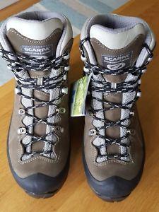 【送料無料】キャンプ用品 womens scarpa mythos tech goretex hikingwalking bootsbrand size 4womens scarpa mythos tech goretex hikingwalking boots b