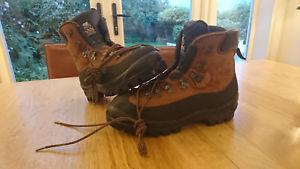 【送料無料】キャンプ用品 マウンテンブーツサイズzamberlan b2 mountain boots nearly size 11