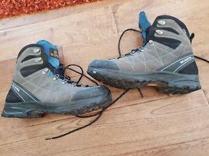 【送料無料】キャンプ用品 ハイキングブーツサイズscarpa revolution gtx hiking boot size 44