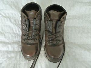 【送料無料】キャンプ用品 クリスクラシックウォーキングブーツブラウンサイズchris brasher hillmaster classic lightweight walking boots, brown size 8,leather