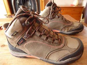 【送料無料】キャンプ用品 レディースクラークスゴアテックスサイズブーツwomens clarks goretex boots size uk 4 great condition
