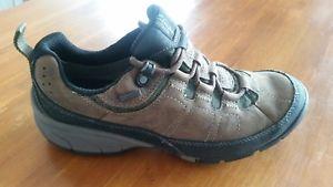 【送料無料】キャンプ用品 ウォーキングシューズサイズmens gortex waterproof walking shoes size 6