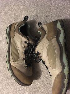 【送料無料】キャンプ用品 ヤクハイキングwomens ecco hiking goretex yak shoes 6 39 uk