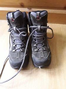 【送料無料】キャンプ用品 ウォーキングブーツmammut impact gtx womens walking boots
