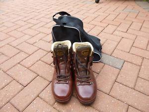 【送料無料】キャンプ用品 ウォーキングブーツサイズ listingmens meindl walking boots size 9 12