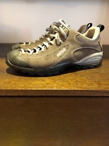 【送料無料】キャンプ用品 トレッキングシューズ listingasolo trekking shoes