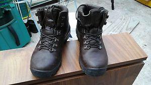【送料無料】キャンプ用品 レディースウォーキングテクノロジーブーツサイズladies altberg walking boots size 4 with sympathy technology