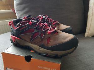 【送料無料】キャンプ用品 コンフォートトレーナーハイキングシューズアウトmerrell all out blaze 2 hiking shoes walking leather comfort trainers uk 65