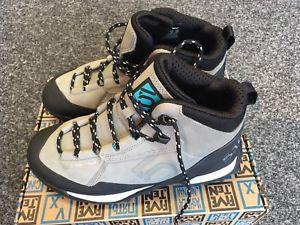 【送料無料】キャンプ用品 キャンプウォーキングブーツブランドfive ten camp four mid uk5 walking boots shoes ice purple brand