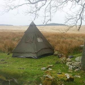 【送料無料】キャンプ用品 4ティーピーピラミッドテント オリーブキャンプハイキングフェスティバルfour man tipi pyramid tent olive camping shelter military hiking festival
