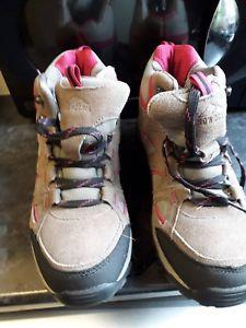 【送料無料】キャンプ用品 ウォーキングブートサイズスノードニアwalking boot size 7 snowdonia vgc worn once