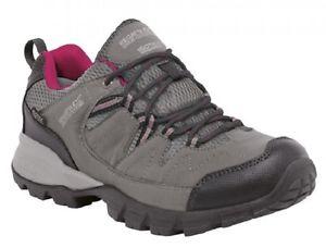 【送料無料】キャンプ用品 レガッタレディウォーキングハイキングシューズregatta lady holcombe low walking hiking shoe waterproof breathable comfortable