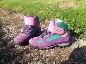 【送料無料】キャンプ用品 ウォーキングブーツサイズgronell walking boots size 6