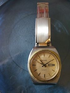 【送料無料】vintage bulova automatic wrist watch