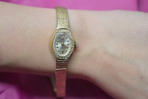 【送料無料】waltham incabloc swiss made womens luxury gold tone watch