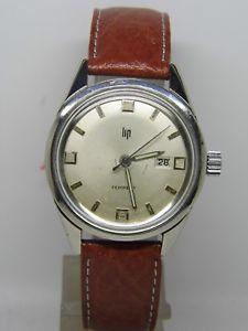 【送料無料】montre lip tempest calendrier en acier cal 558 vintage lip vers 1960