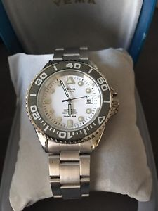【送料無料】yema montre mtal neuve navygraf 300m dateur vintage chronographe