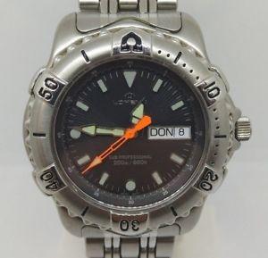 【送料無料】orologio uomo lorenz subacqueo acciaio day date sub professional 200m swiss made